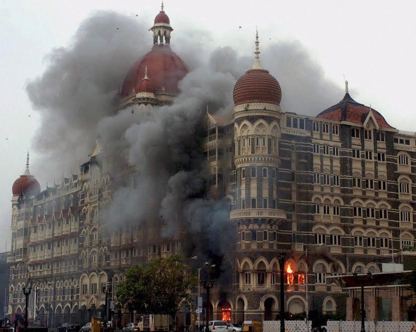 પાકે.મુંબઇ હુમલાના મુખ્ય શંકાસ્પદને નિર્દોષ જાહેર કર્યો