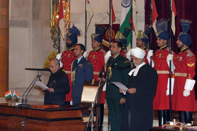 જસ્ટિસ કેહરે ભારતના મુખ્ય ન્યાયમૂર્તિ તરીકે શપથ લીધા