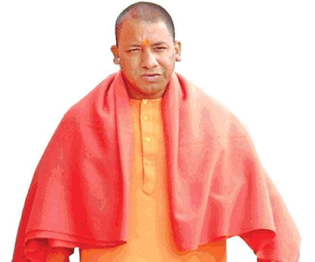 યુપીના CM બન્યા પછી અવિવાહિત CM ક્લબમાં શામિલ થયા યોગી આદિત્યનાથ
