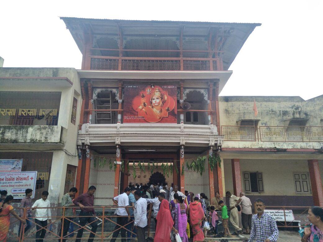 ભરૂચ જીલ્લાનાં ગુમાનદેવ મંદિરે શ્રાવણના પ્રથમ શનિવારે ભક્તોનું ઘોડાપુર ઉમટ્યુ