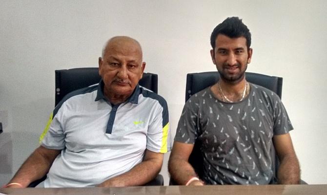 ભારતીય ક્રિકેટર ચેતેશ્વર પુંજારાને અર્જુન એવોર્ડની જાહેરાત થી પરિવારમાં ખુશી