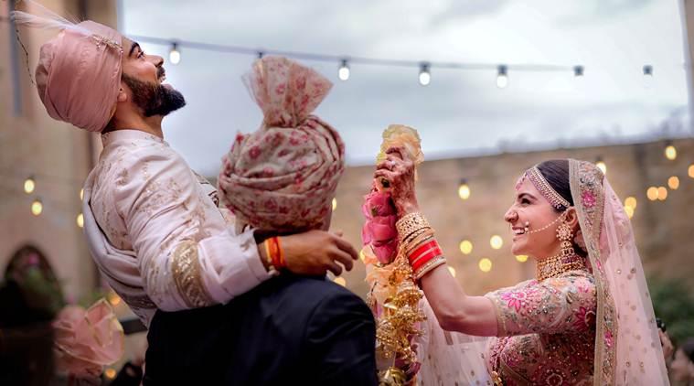 ભારતીય ક્રિકેટ ટીમનાં સુકાની વિરાટ કોહલી અને અનુષ્કા શર્મા લગ્ન ગ્રંથીથી જોડાયા