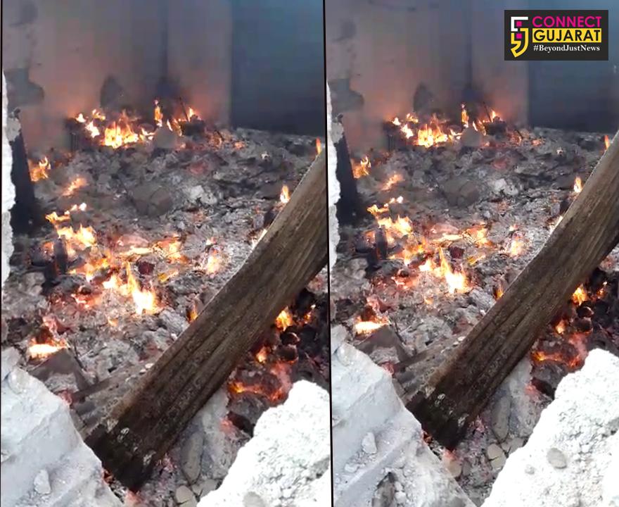 ડીસા તાલુકાના ભાચરવા ગામની પાર્લરની દુકાનમાં આગ.