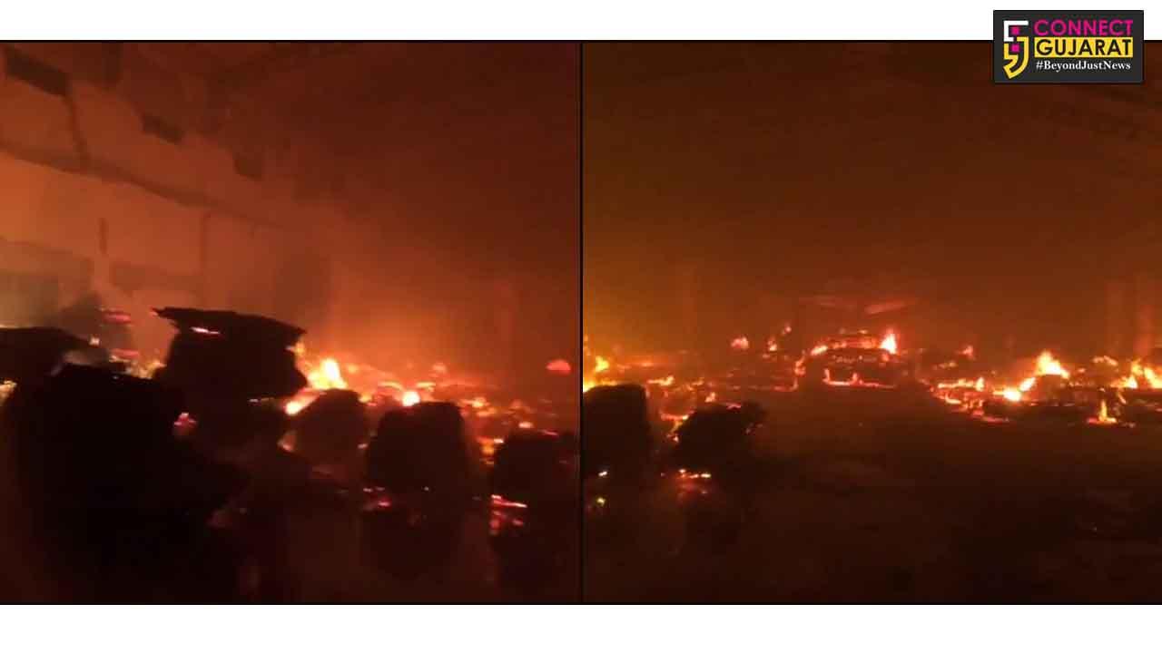કચ્છ : અંજારમાં વરસામેડી રોડ નજીક પ્લાયવુડની કંપનીમાં લાગી આગ