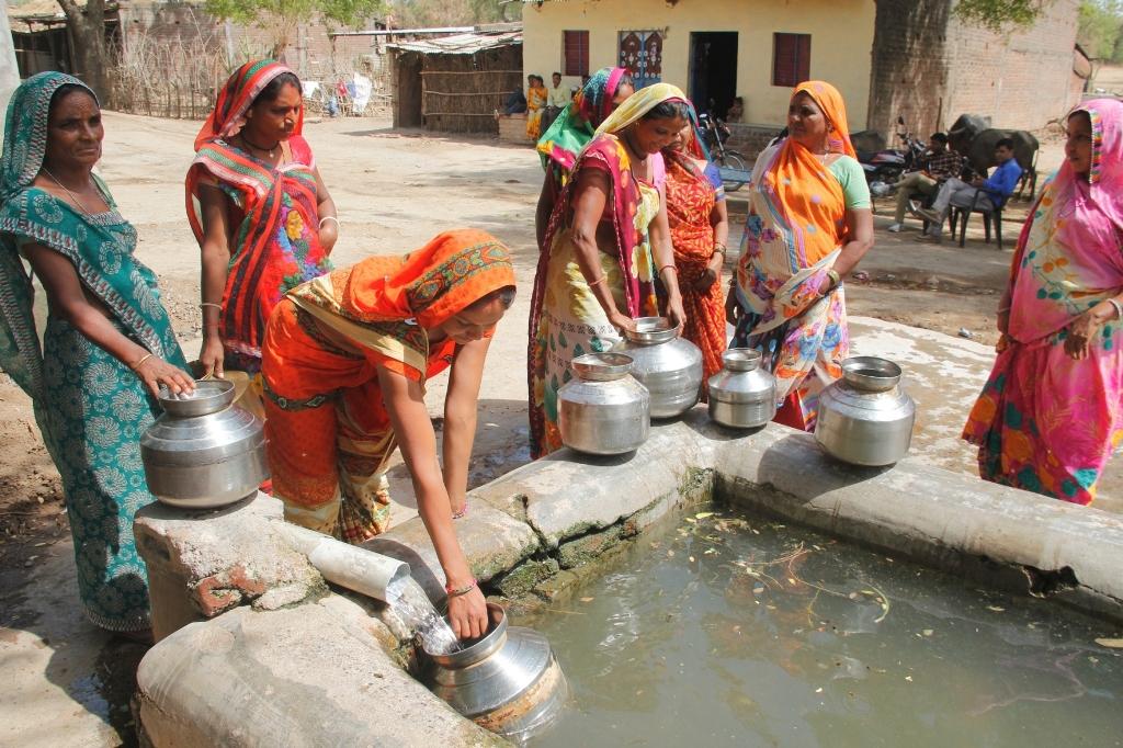 તિલકવાડાના વંઢ ગામે પશુઓના હવાડાની નજીક આગામી બે દિવસમાં ઉપલબ્ધ થશે પીવાલાયક પાણી માટે સ્ટેન્ડ પોસ્ટની સુવિધા