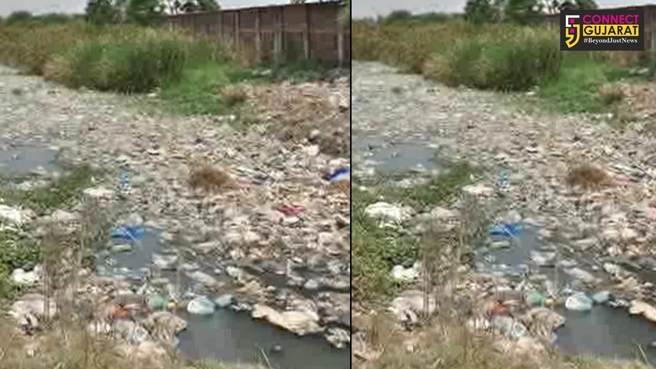 ભરૂચના જે.બી મોદી પાર્ક નજીકની વરસાદી કાંસની સફાઈ ન થતા ૭૦ થી વધુ સોસાયટીમાં વરસાદી પાણી ભરાવાની દહેશત
