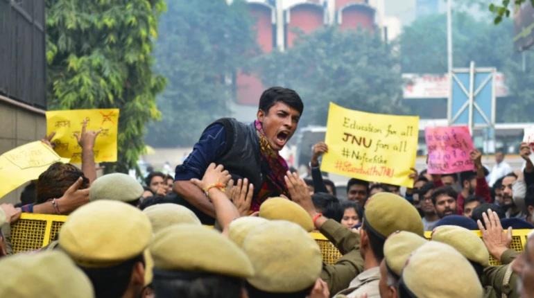 JNU હિંસામાં ઘાયલ થયેલ JNUSU અધ્યક્ષ એશી ઘોષ વિરોધ કેસ દાખલ