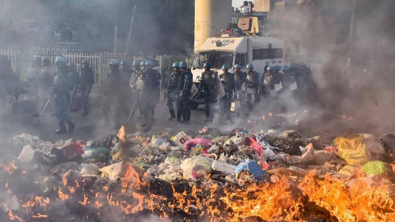 દિલ્લી: સાંપ્રદાયિક હિંસામાં અત્યાર સુધી 13ના મોત, સ્થિતિ વધુ વણસે તેવી શક્યતા
