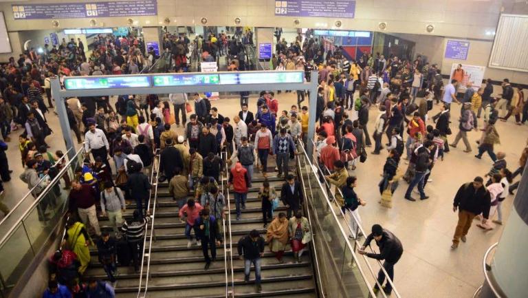 દિલ્હીના રાજીવ ચોક મેટ્રો સ્ટેશનમાં ગોળી મારોના લાગ્યા નારા, 6 લોકોની ધરપકડ