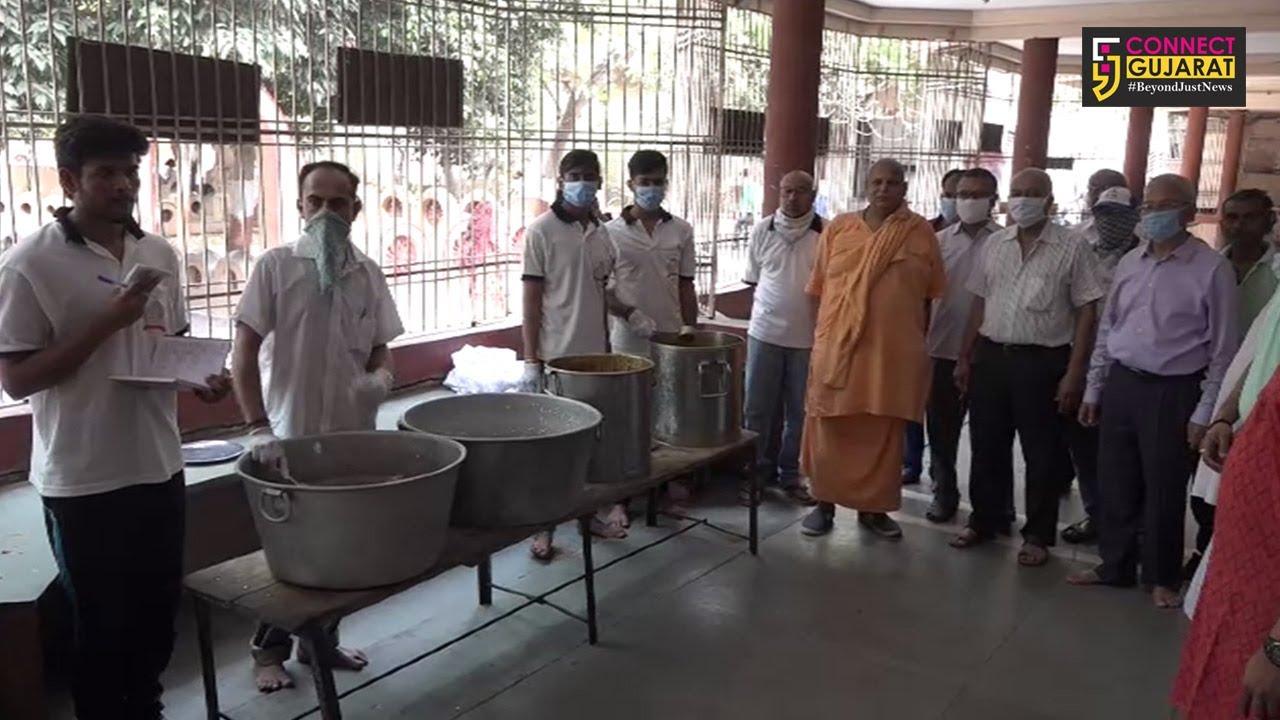 ખેડા : લોકડાઉન વેળા સંતરામ મંદિરની પહેલ, અન્નપૂર્ણા હોલ ખાતે 500થી વધુ જરૂરિયાત મંદો માટે ભોજનની વ્યવસ્થા