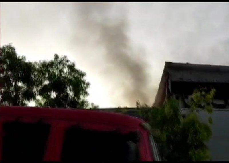 ગ્રેટર નોઈડા : ઓટો પાર્ટસ બનાવતી કંપનીના ગોડાઉનમાં લાગી ભીષણ આગ, ફાયર વિભાગની 5 ગાડીઓ ઘટના સ્થળે